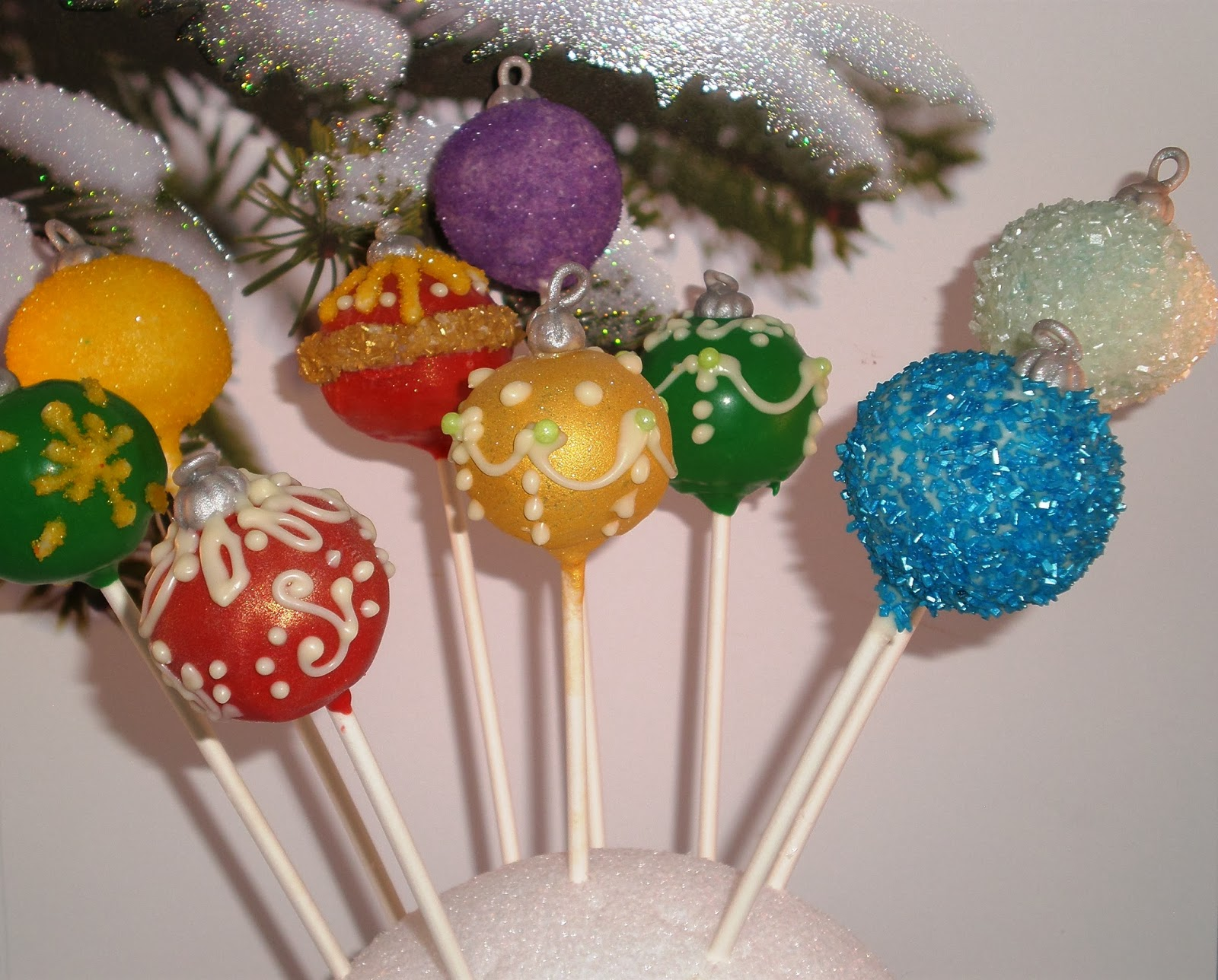 My Sweet Favorites: Christmas Tree Ornament Cake Pops