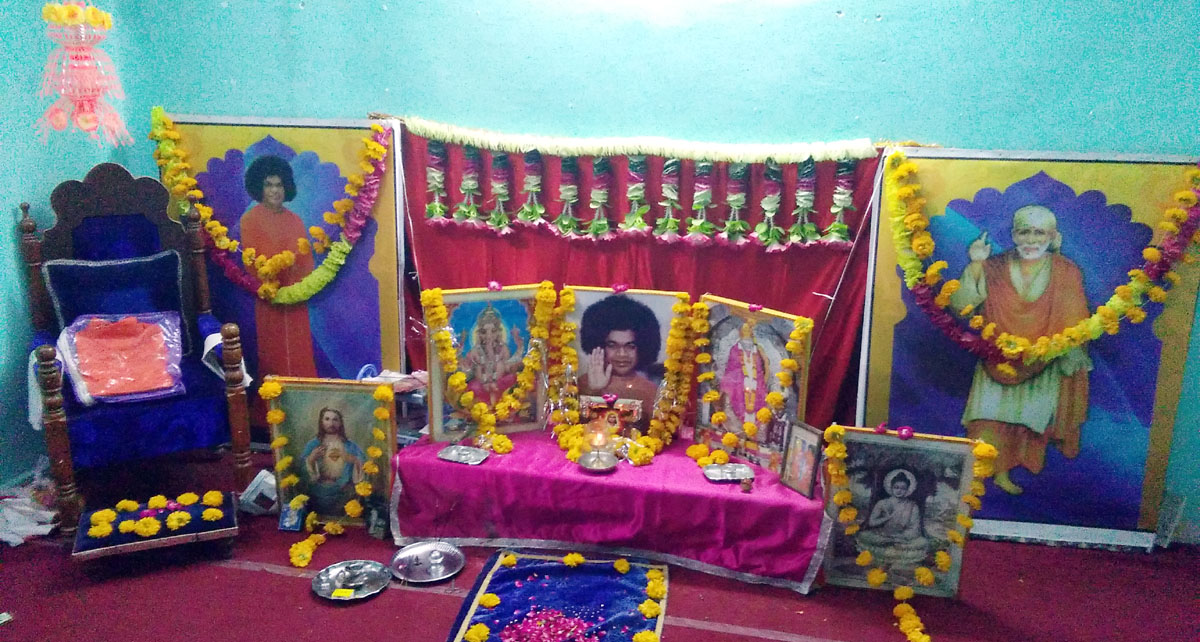 Satya-sai-Samiti-celebrates-worship-day-jhabua-सत्यसाई समिति ने मनाया आराधना दिवस