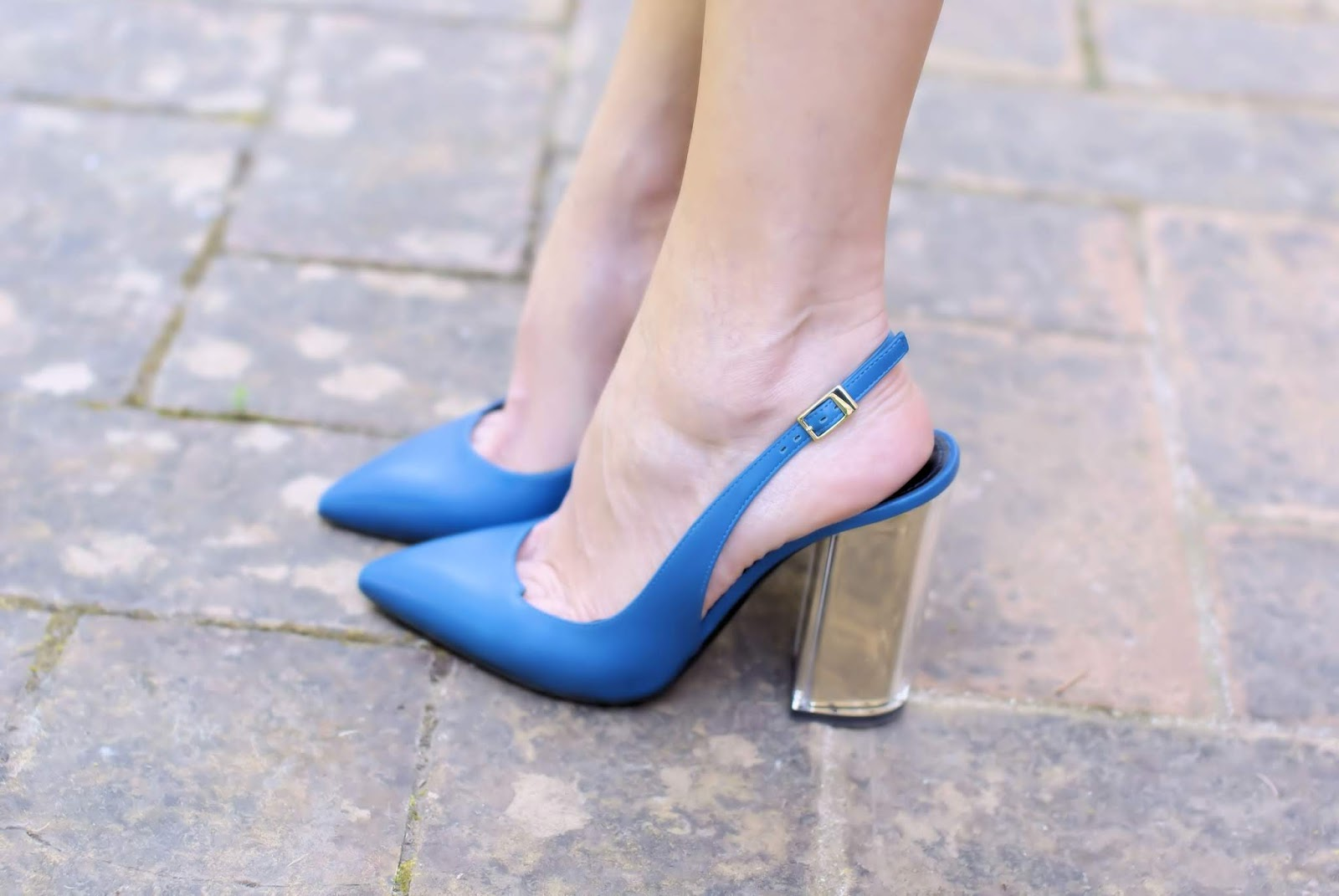 Pollini slingbacks with block heel on Fashion and Cookies fashion blog, fashion blogger style