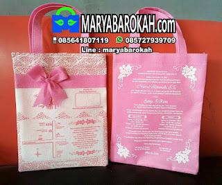 Undangan Pernikahan Unik Motif Batik Pink