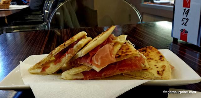 Piadina, pão típicoda Emília-Romanha, Itália