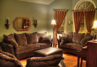 Sala color marrón y verde
