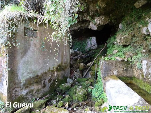 El Gueyu en Vallesotu, bajando del Carriá
