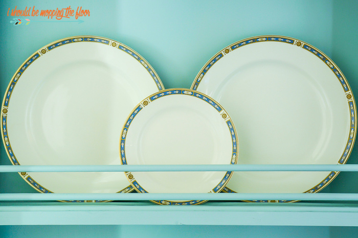 Decorative Plate Rack