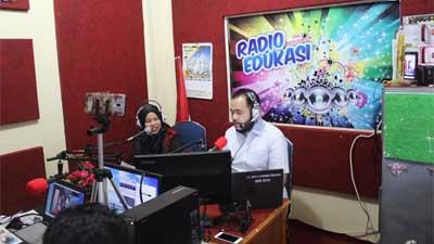 Fadly Amran di Radio Resfour 104,5 FM