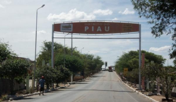 Jovem é assassinado com tiros de espingarda 12 no Distrito do Piau em Piranhas