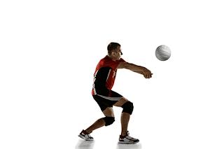 Dalam permainan bola vol terdapat teknik dasar dalam memukul bola, gambar dibawah ini adalah teknik...