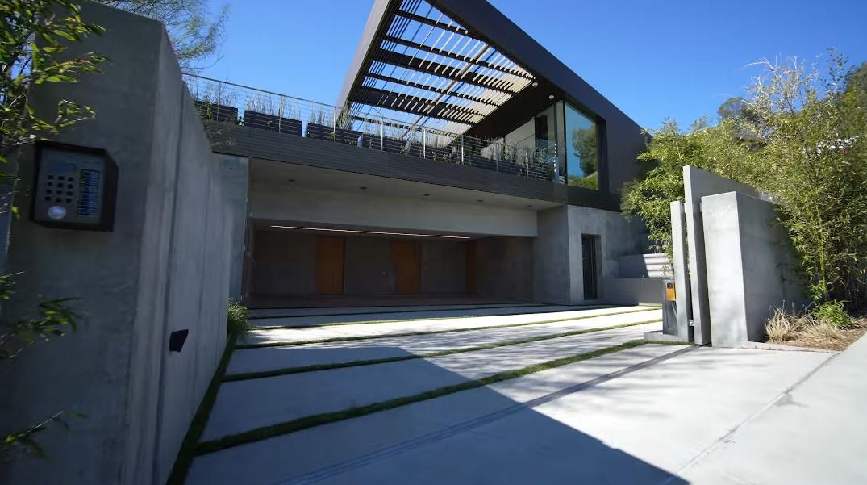 81 Photos vs. Tour 9344 Nightingale Dr, Los Angeles, CA Ultra Luxury Mansion Interior Design