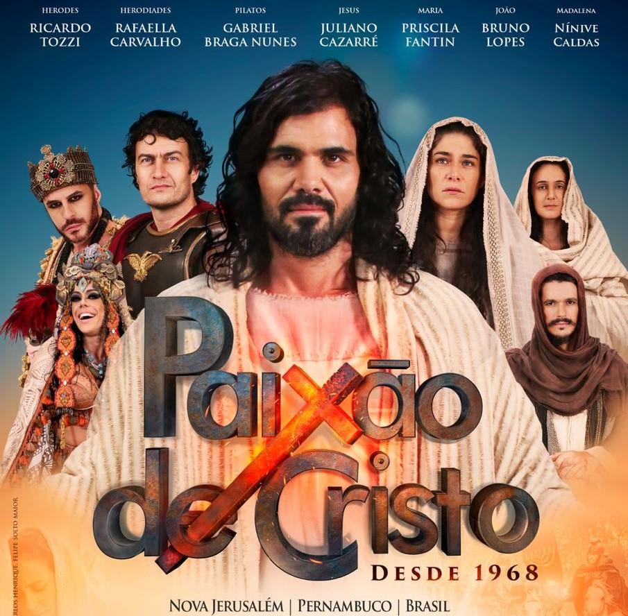 Os filmes apresentam cenas de esmerada produção com diversas passagens da  história de Jesus nas quais aparecem os principais personagens da peça. ae2fc84184d