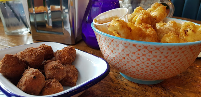 Battered curried caulibombs and not chicken deep fried halloumi nuggets