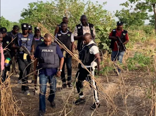 Police clear bushes on highway to track kidnappers
