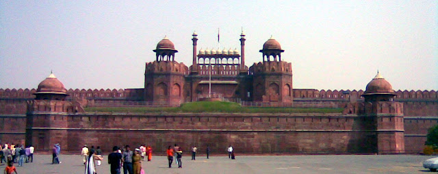 Tourist Places - Red Fort or Lal Qila - travelmaniak.info