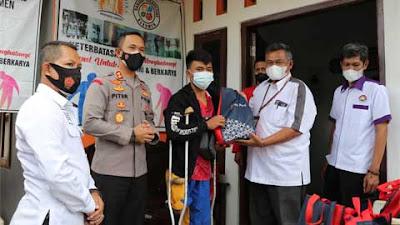Polres dan Bank Jateng Cabang Kebumen Bersinergi Bagikan Paket Sembako