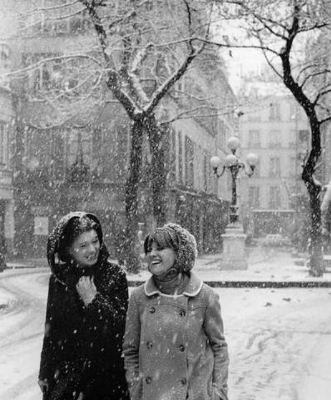 https://kvetchlandia.tumblr.com/post/161651086303/robert-doisneau-il-neige-place-de