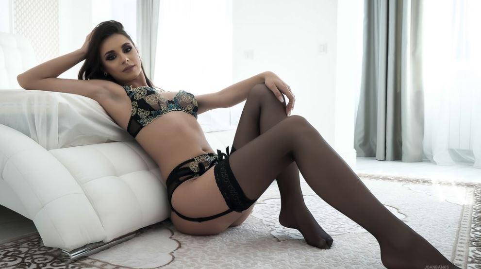 JoanBanks Model GlamourCams