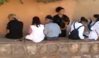 """أمن بني ملال يحقق في فيديو يظهر تلميذات وتلاميذ يتعاطون """"السليسيون"""""""