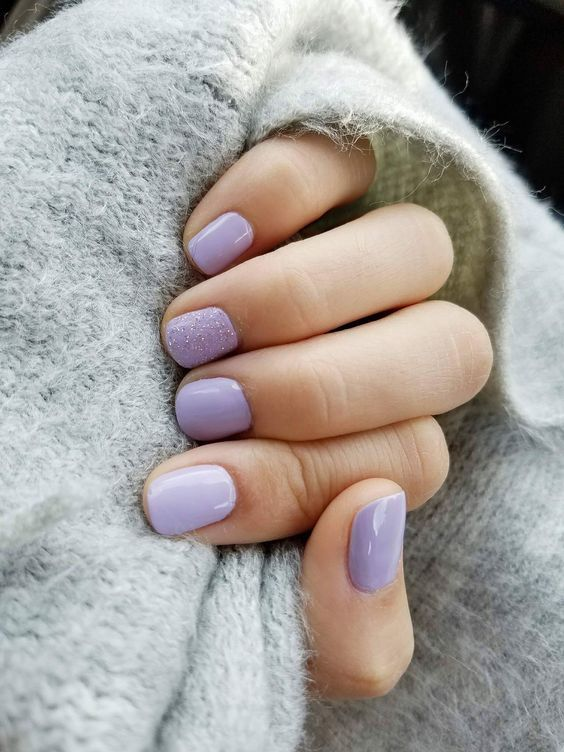 LILAC NAIL TREND