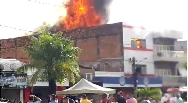 Incêndio de grandes proporções destrói loja SP Variedades, em Guarabira