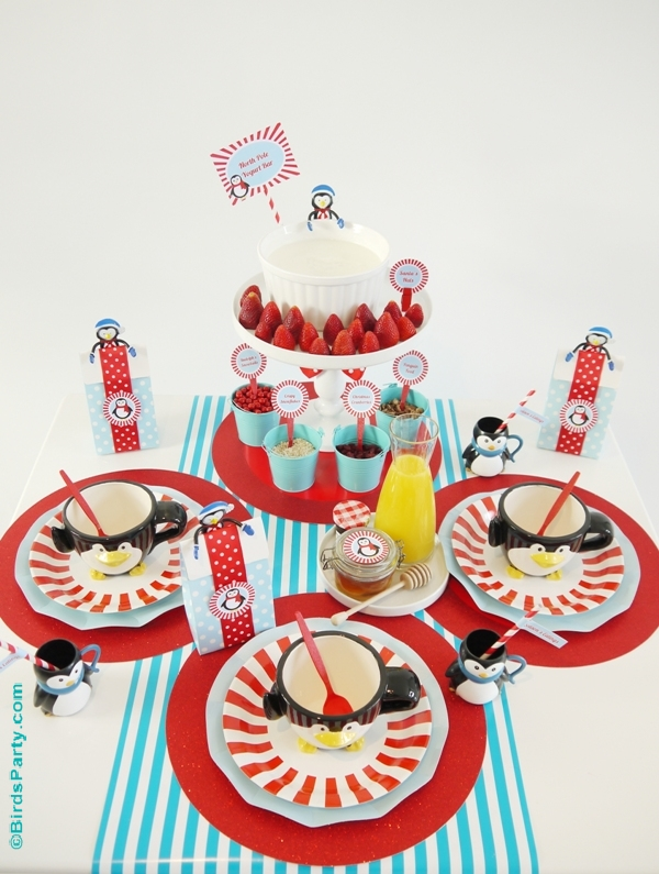 North Pole Breakfast Table Party ideas with free printables - BirdsParty.com
