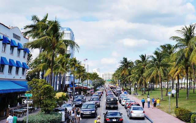 Caminhada de manhã pelo Deco District em Miami: avenidas