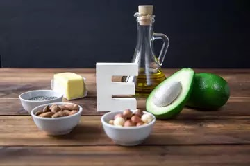 Vitamin E For Hair: Benefits, Side Effects, & How To Use It For Hair Growth? & Is Vitamin E Actually Good For Your Hair?