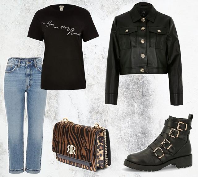 Outfit met bedrukt t-shirt zwart jasje van imitatieleer cropped jacket faux leather biker boots enkellaarzen spijkerbroek mode inspiratie
