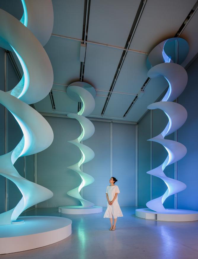 Minimalist Mariko Mori's Futuristic Exhibitions   Asian Art