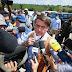 Bolsonaro se irrita com pergunta e chama repórter de idiota na Bahia
