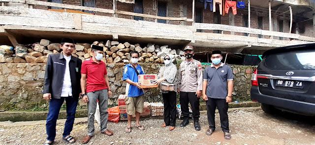 Wujud Kepeduliaan, Legislator Ini Kunjungi Korban Tanah Longsor di Sinjai Tengah
