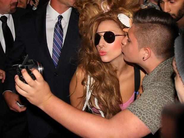 c1b2db6d7 Gaga trocou de figurino inúmeras vezes durante a performance e encerrou sua  participação de biquíni com direito a calcinha fio-dental.