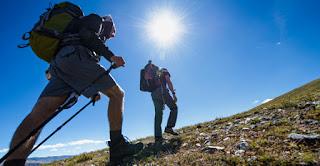 Puasa, bukan halangan buat pendaki gunung sejati.