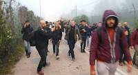 Εκτός ελέγχου οι «μετανάστες» στον Έβρο - Μπουκάρουν σε σπίτια- «Είμαστε αβοήθητοι» λένε κάτοικοι