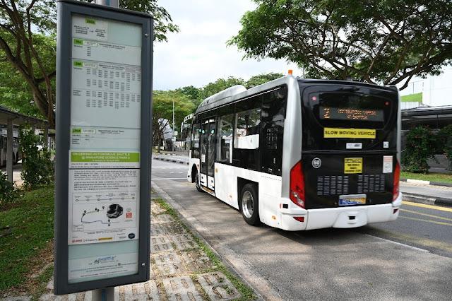 Сингапур запускает испытания нового беспилотного автобуса