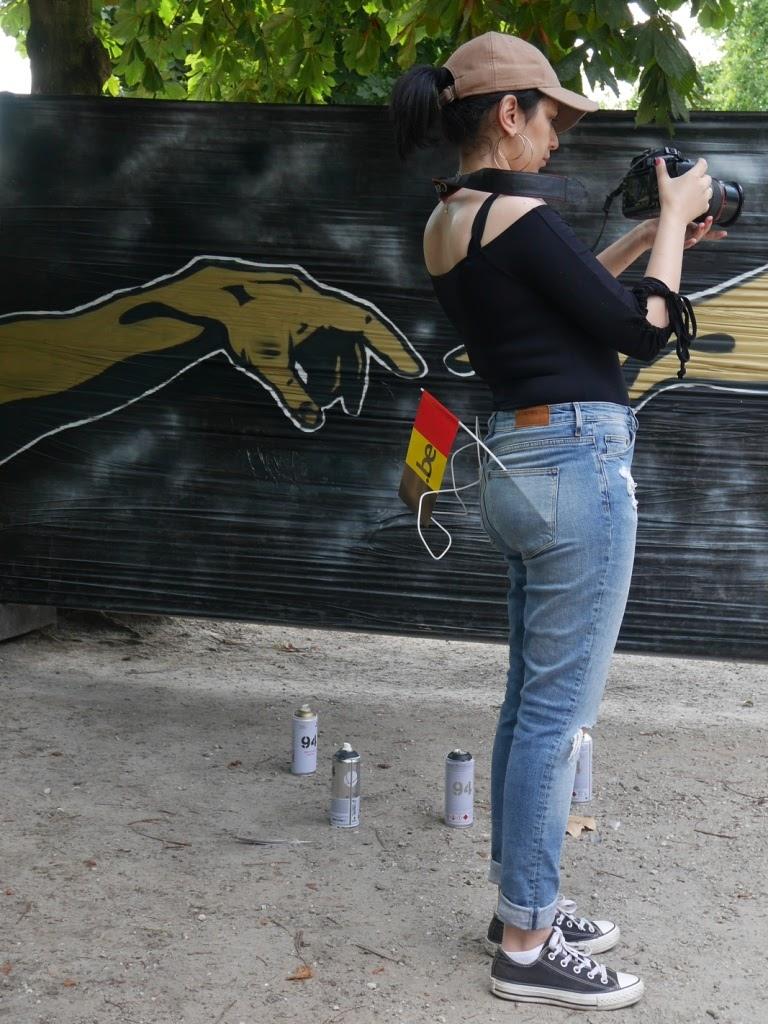 session graffiti par cnn199 au parc de Bruxelles lors de la fête nationale belge