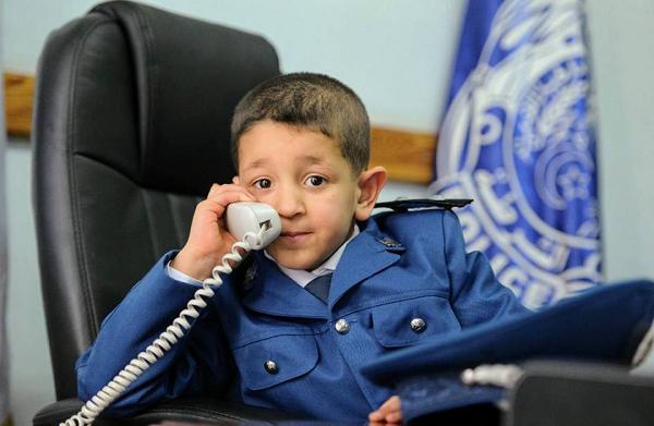 الشرطة تحقق أمنية طفل من مرضى التوحد