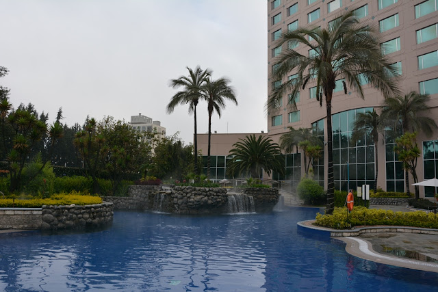 JW Marriott Quito swimming pool