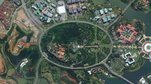 Where is the largest roundabout in the world?