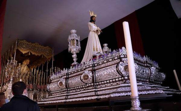 Jesús Cautivo de Málaga estrena la reforma de su trono en su veneración en la casa hermandad