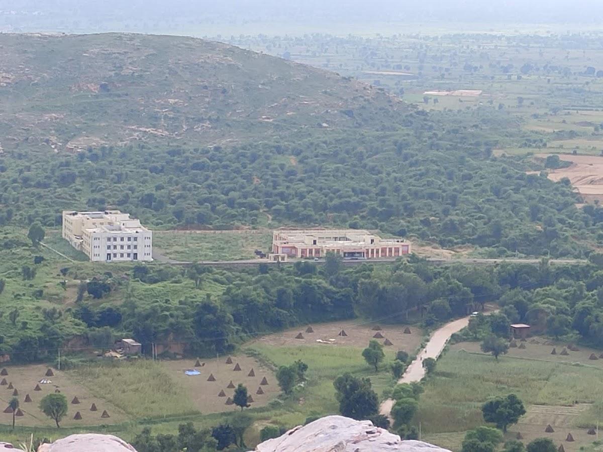 Bayana fort