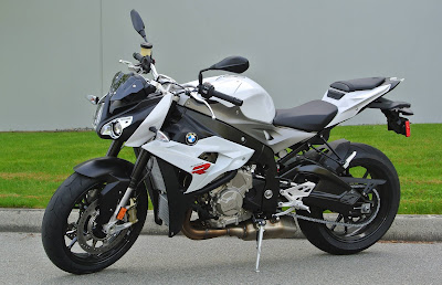 BMW S 1000 R naked side image