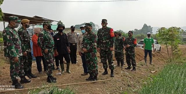 Aster Panglima TNI Tinjau Lokasi Ketahanan Pangan Di Cianjur