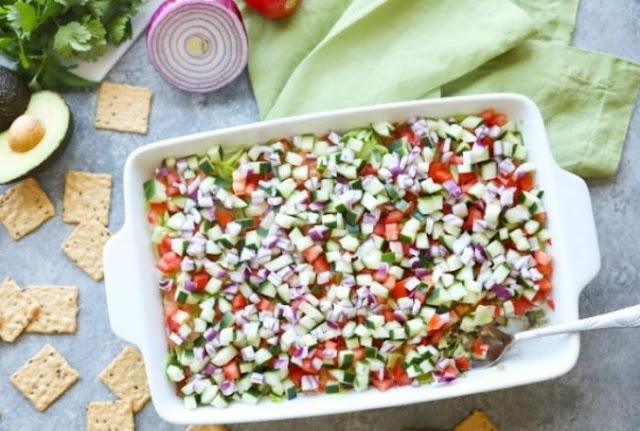 Veggie Loaded 7-Layer Dip #vegetarian #appetizers