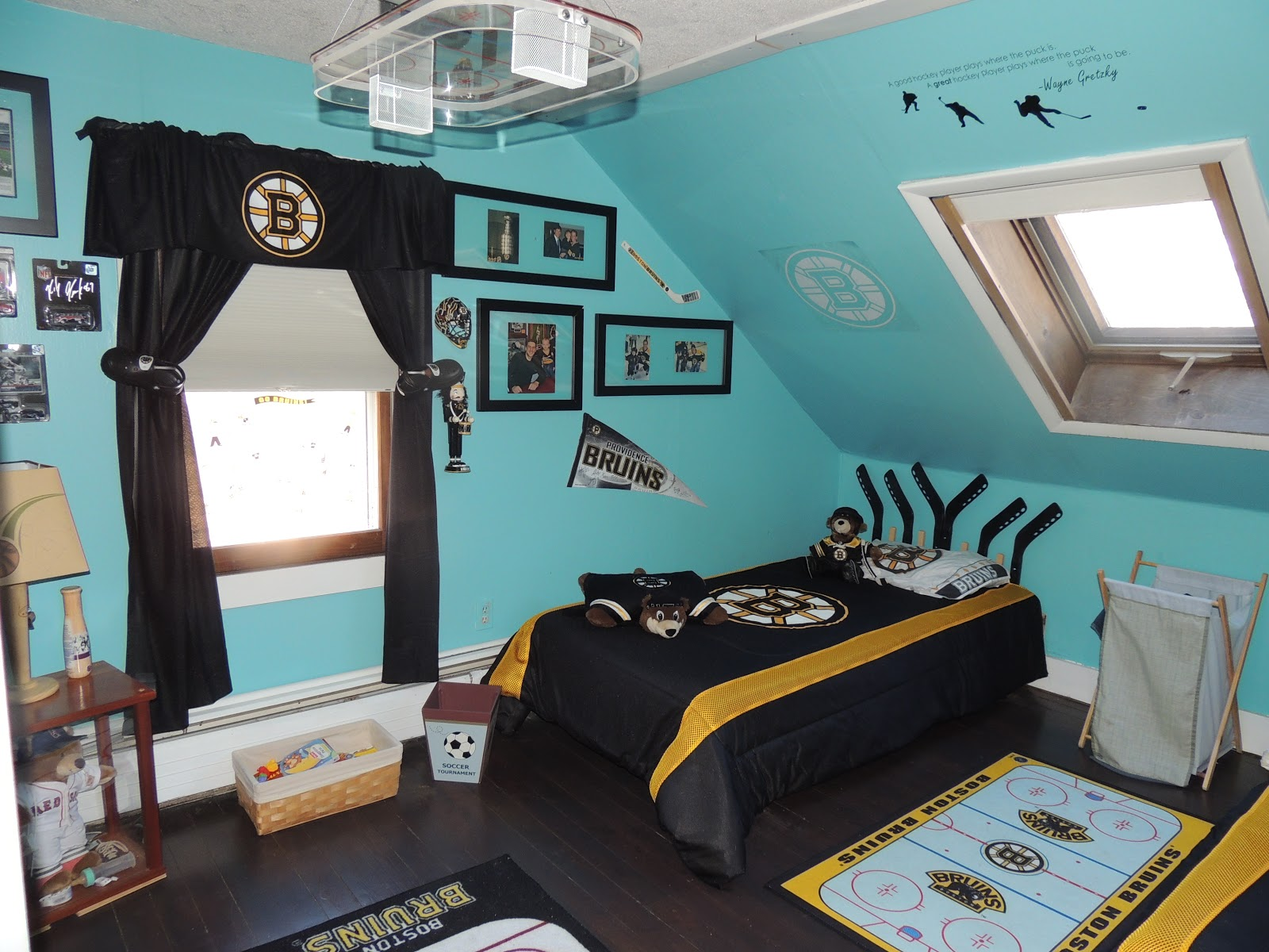 My Everything! : Bruins Bedroom