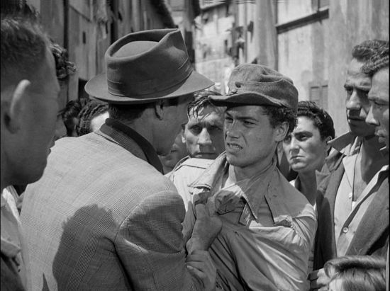 Antonio grabbing the thief in Bicycle Thieves