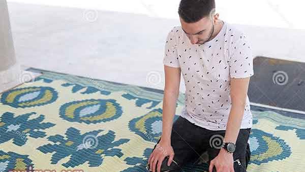 Doa Setelah Adzan dan Iqomah Latin Artinya Sesuai Sunnah