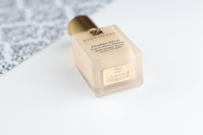 estee lauder double wear foundation stay in place makeup 1w2 sand review