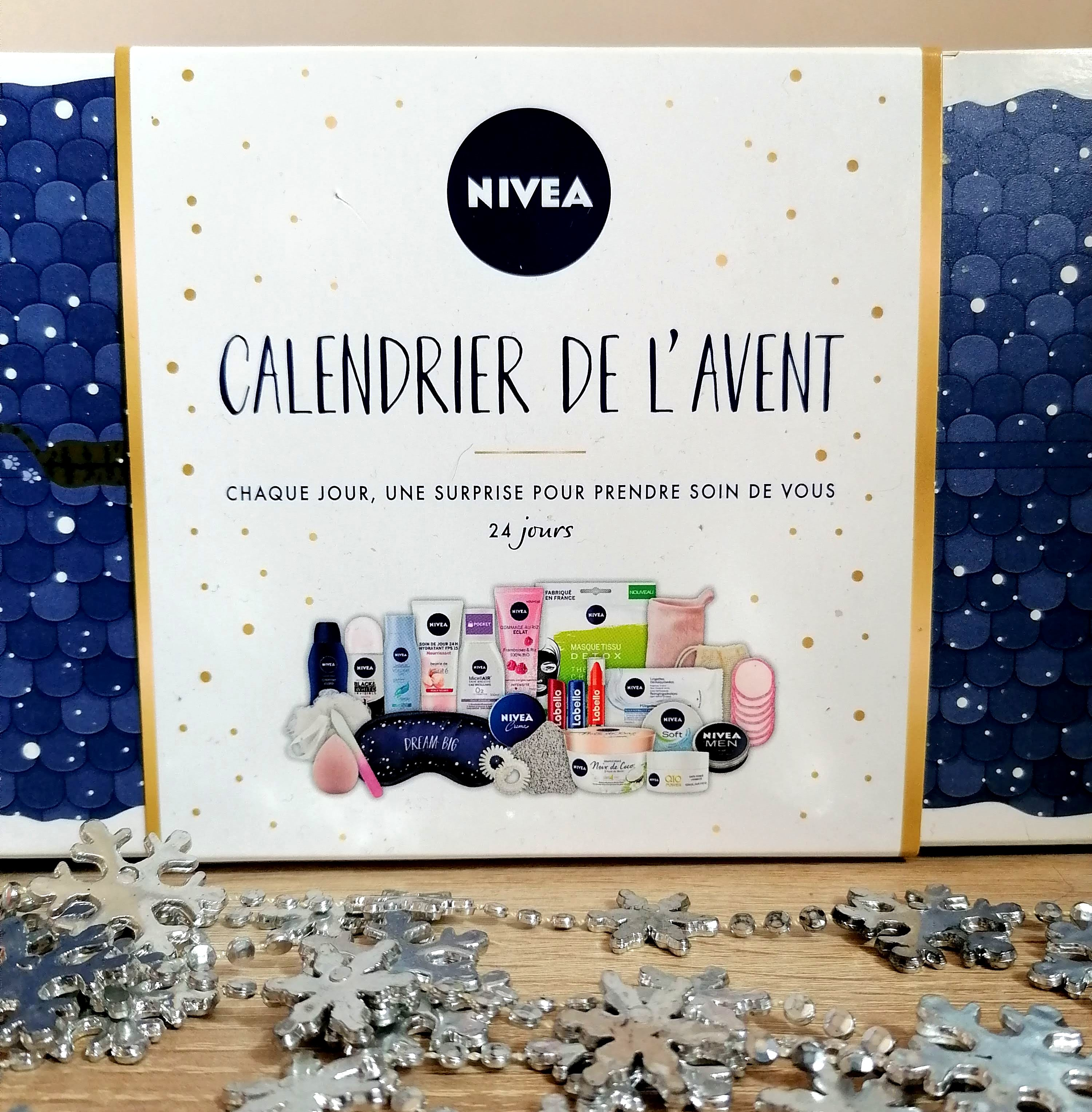 Unboxing du calendrier de l'avent 2020 de NIVEA! (et il est énorme 😱)