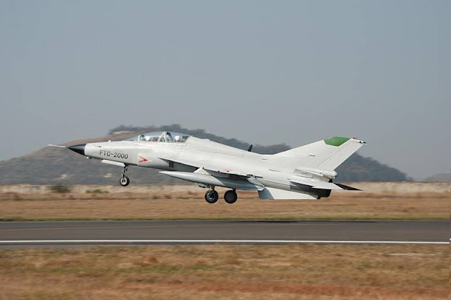 China new trainer jets carriers