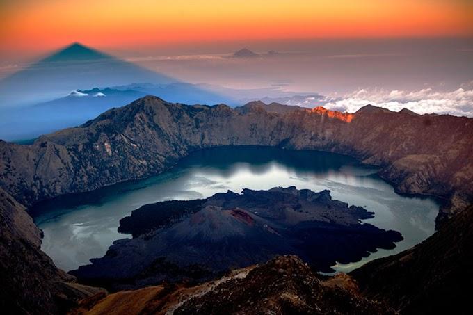 Summit Mount Rinjani 3.726 meter