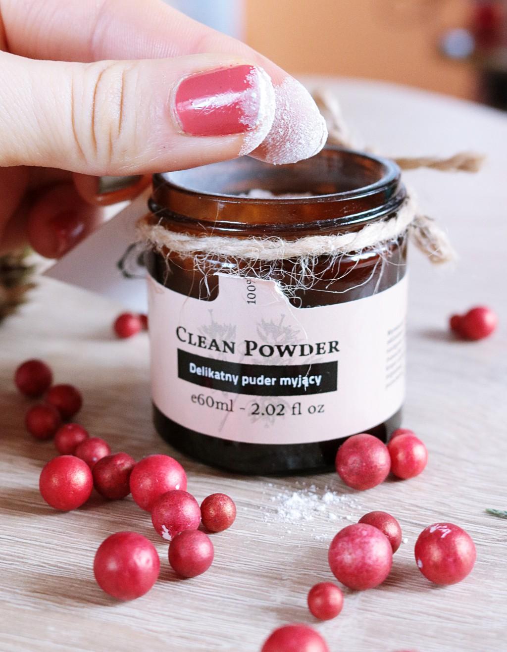 clean-powder-makemebio-oczyszczanie-skóratrądzikowa-skórawrażliwa-trądzik-produkt-naturalny-kosmetyki-produktnaturalny-białaglinka